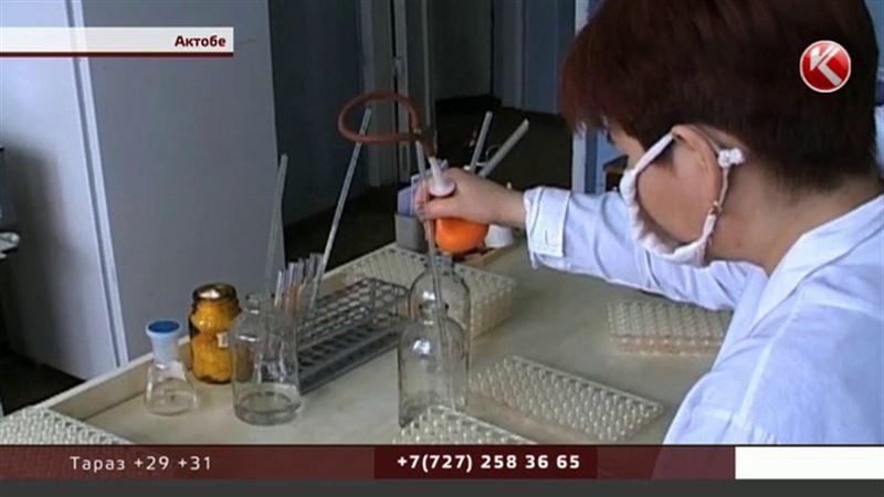Актюбинские санврачи искали российскую колбасу с человеческой ДНК