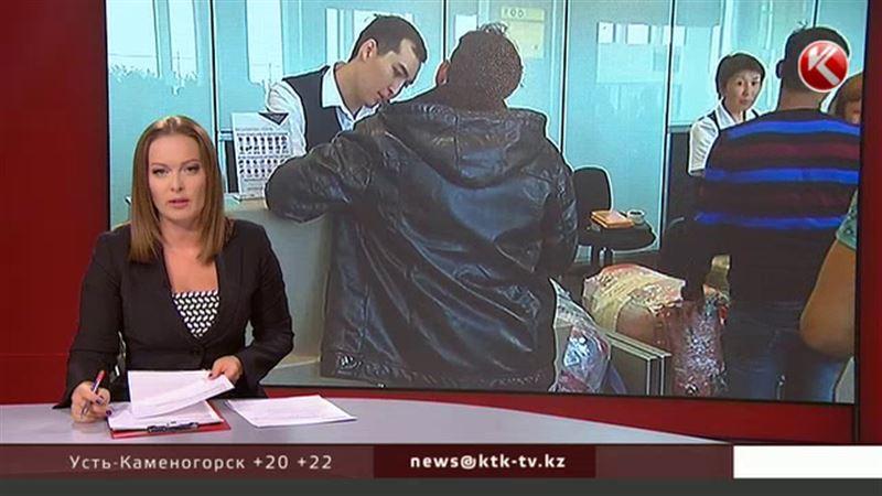 В Казахстане отменят заполнение и хранение миграционных карточек