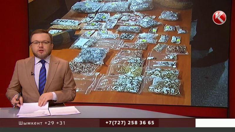 Два чемодана золота привез в Астану гражданин Азербайджана