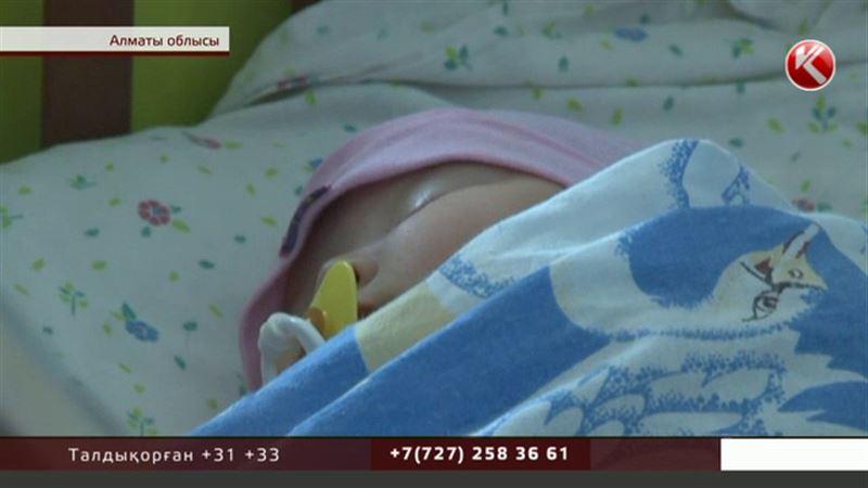 Сұмдық: Алматы облысында баласын сатпақ болған әйел ұсталды