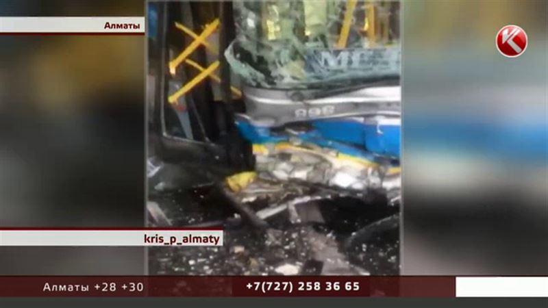Пассажир, пострадавший в ДТП с автобусом, находится в реанимации