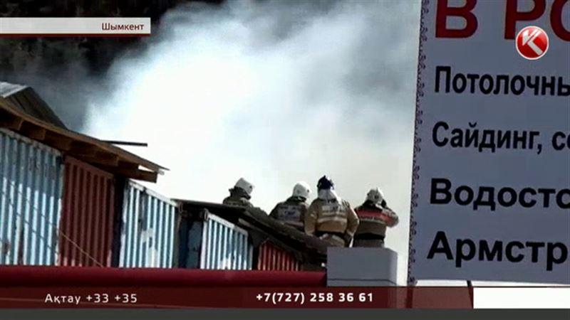 Дұшпандық:  Шымкентте кәсіпкерлердің тауарына қасақана от қойған қаскөйлердің видеосы жарияланды