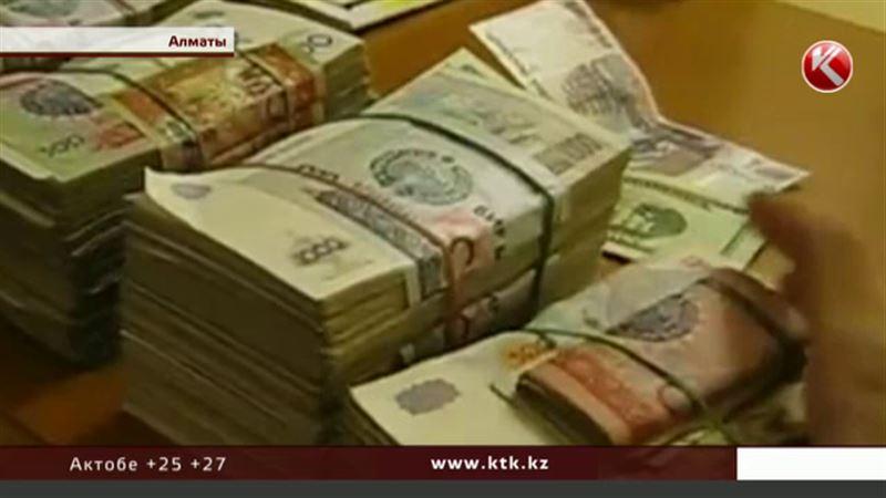 Как скажется на казахстанцах девальвация узбекского сума