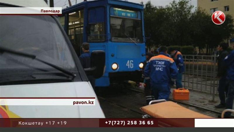 Под колесами трамвая погибла павлодарская школьница, ее сестра в реанимации