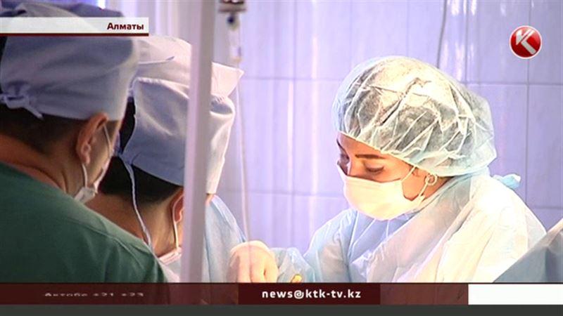 Эпидемия ожирения: в Казахстане спасают людей с весом больше 120 кило