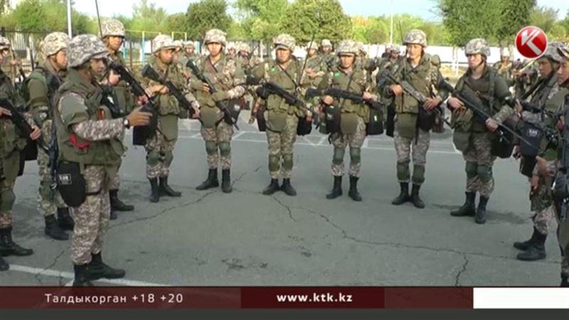 По приказу министра обороны войска подняты по сигналу тревоги