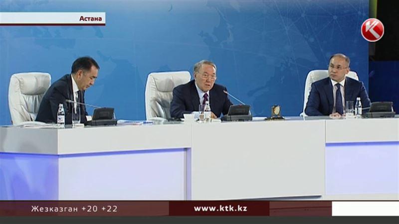 Ликвидация цифровой безграмотности: Назарбаев спросил, на что тратят 251 миллиард