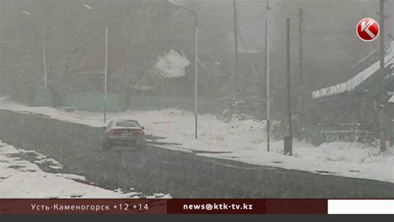 Первый снег выпал в двух районах ВКО