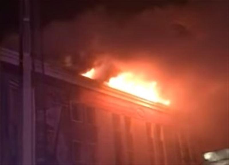 Крупный пожар в столичном кафе удалось потушить
