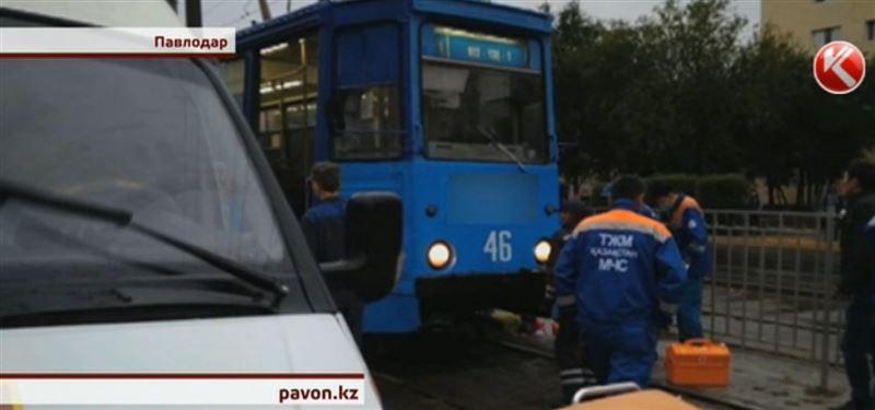 В Павлодаре школьница, попавшая под трамвай, выписана из больницы