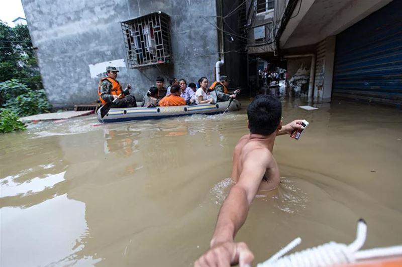 От ливней в Китае пострадали более 100 000 человек