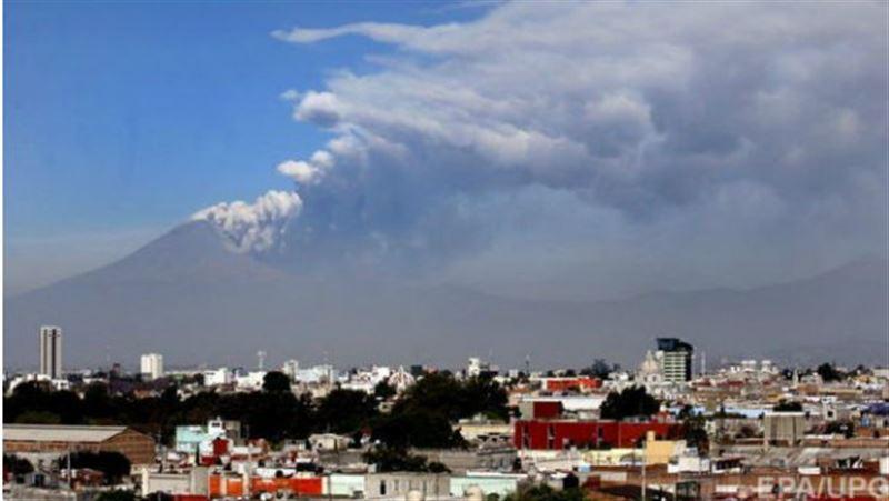 От землетрясения в Мексике проснулся вулкан Попокатепетль
