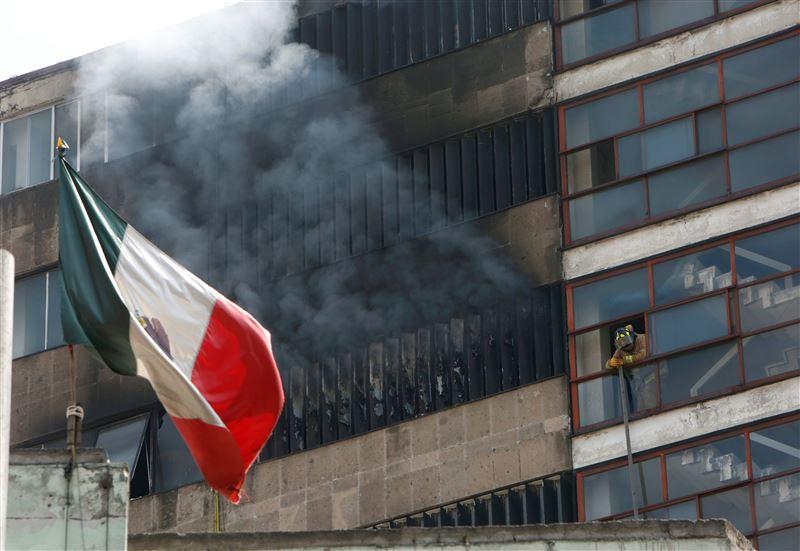 В Мексике объявлено три дня траура по погибшим