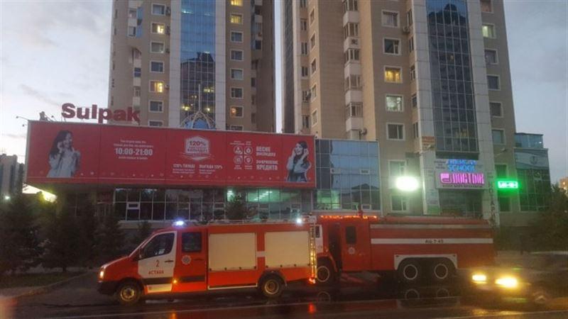 Пожар в столичном ЖК запечатлели на видео