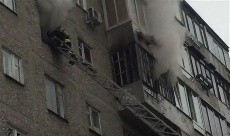 Спасаясь от пожара, 2 женщины сорвались с 7-го этажа