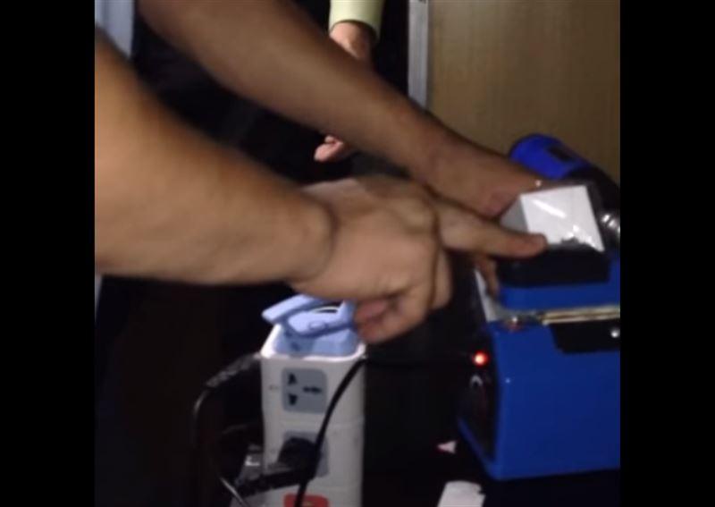 В Алматы обнародовали подпольный цех по производству смартфонов марки iPhone