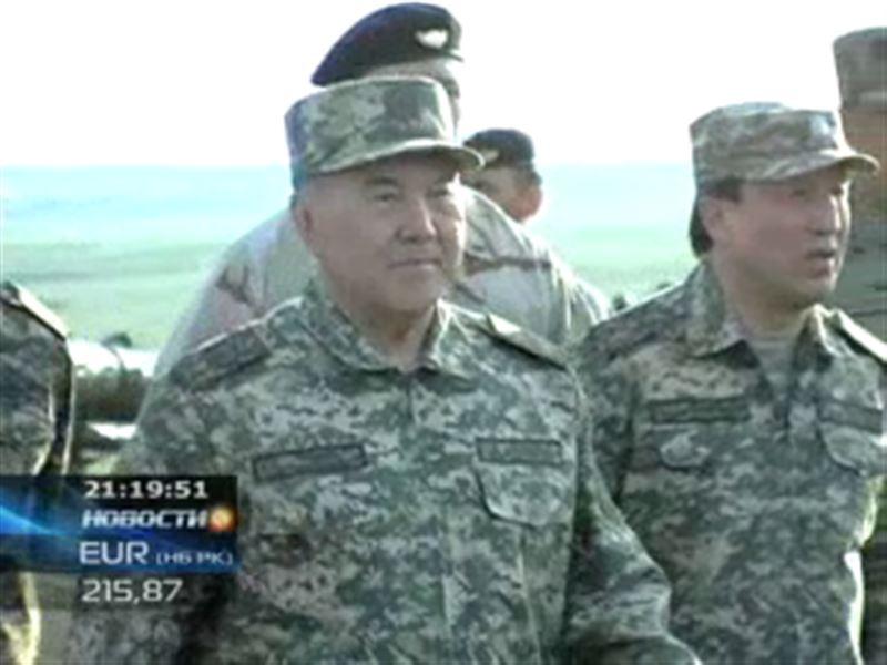 Нурсултан Назарбаев встретился с карагандинскими военными