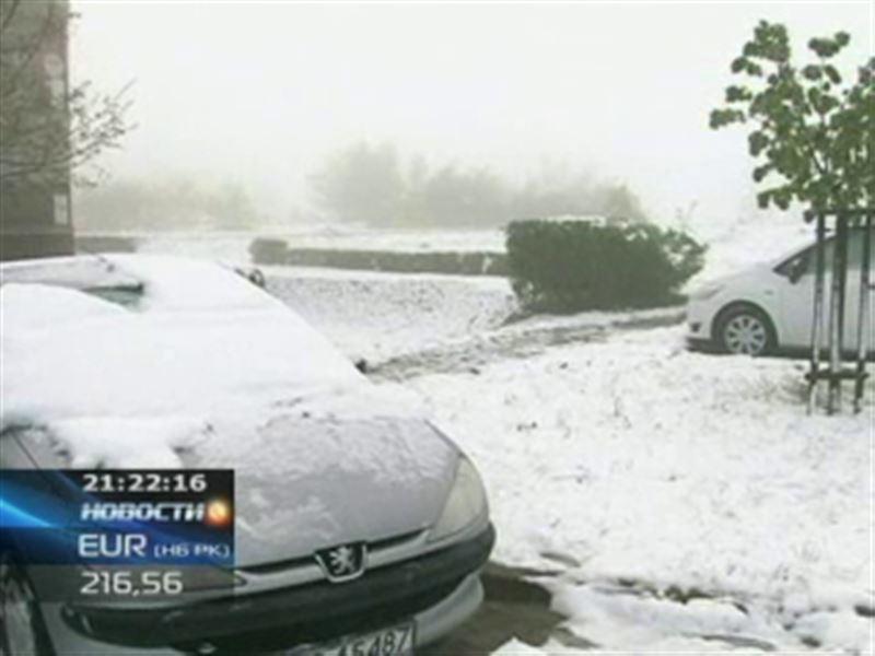 На Польшу обрушился мощный снегопад