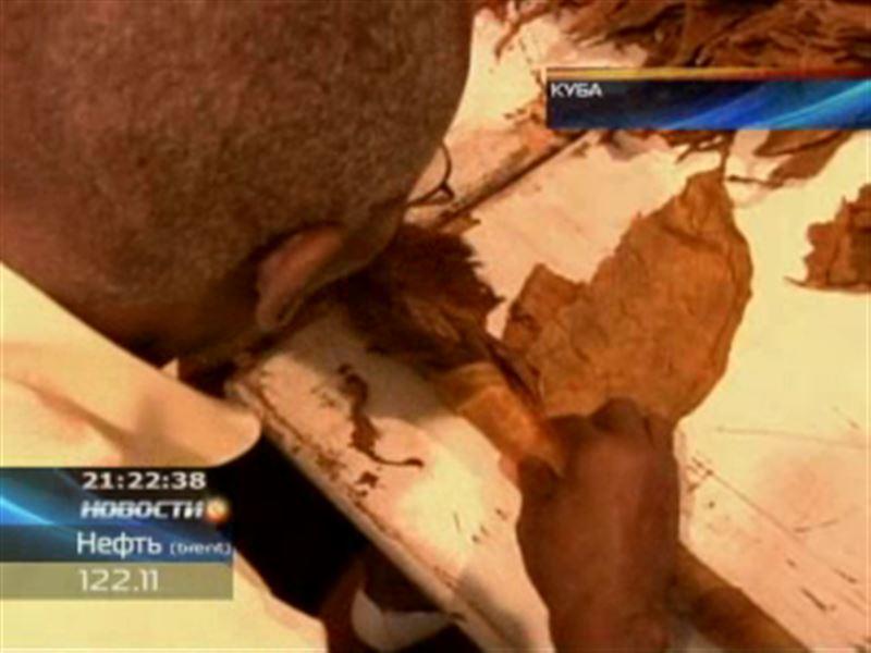 Кубинец скрутил самую длинную в мире сигару