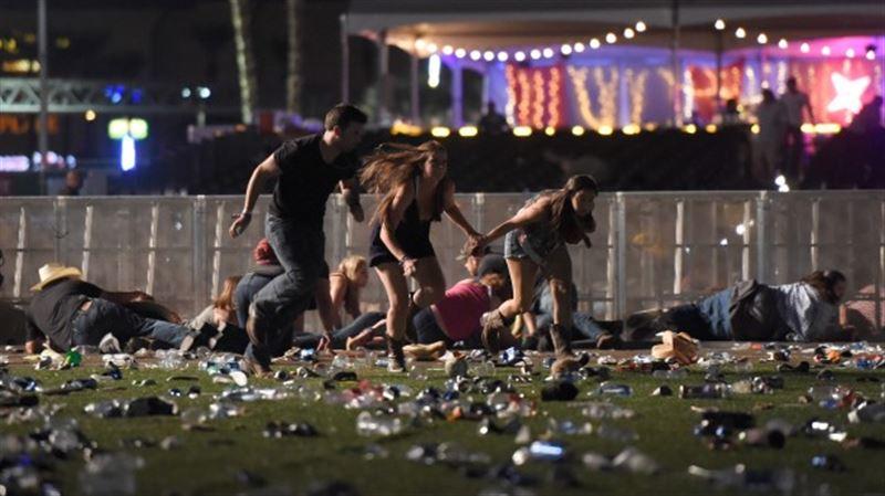 В Лас-Вегасе неизвестный открыл стрельбу у казино, есть жертвы
