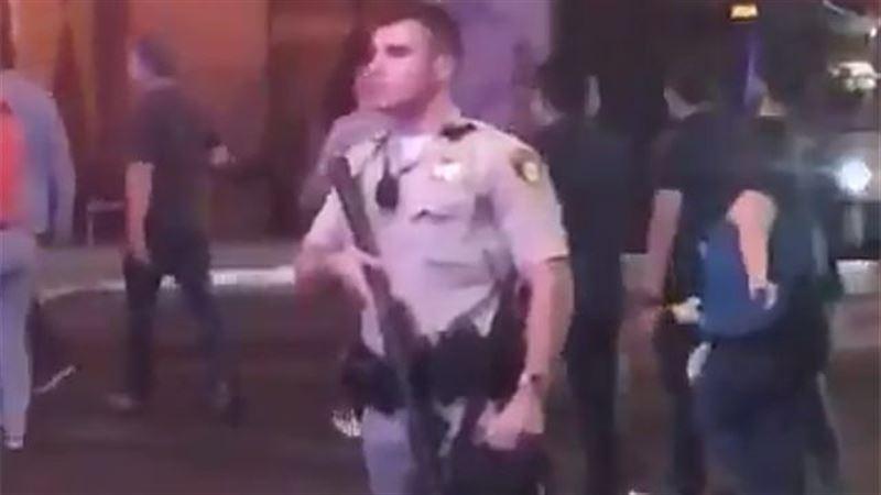 Открывший стрельбу возле казино в Лас-Вегасе мужчина убит - полиция