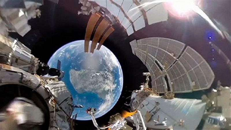 Первое в истории панорамное видео из открытого космоса