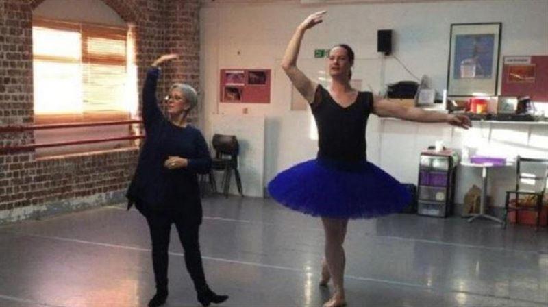 Британский гонщик поменял пол и стал балериной