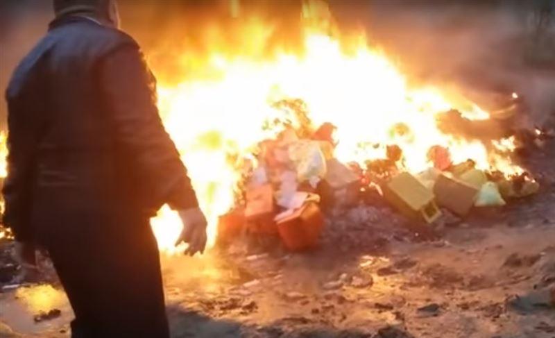 В Усть-Каменогорске неподалеку от домов сжигали медицинские отходы
