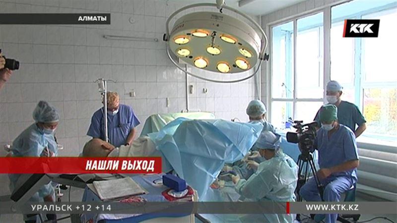 Казахстанские проктологи за час решили проблему мягкого места