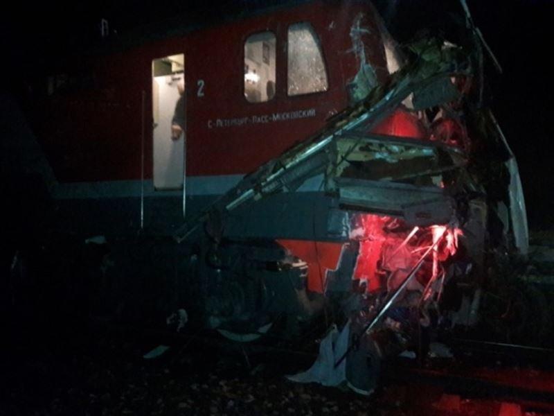 Под Владимиром автобус из Казахстана столкнулся с поездом, есть жертвы