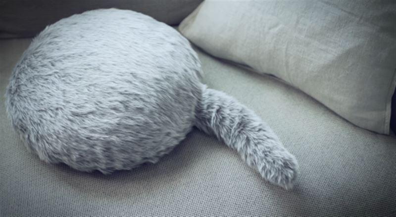 В Сети показали необычного робота-кота, который создан с целью привнести уют в дом