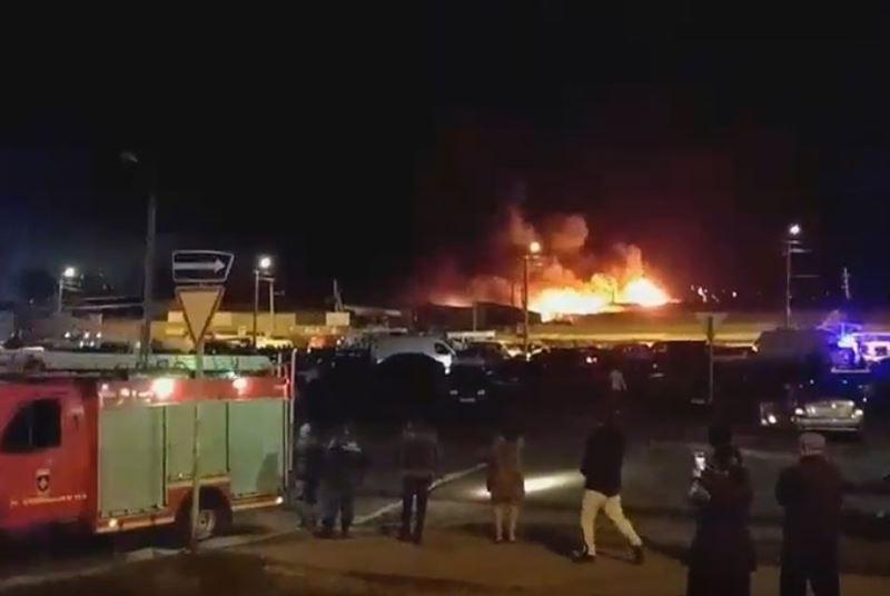 Крупный пожар на рынке в Ростове-на-Дону локализован