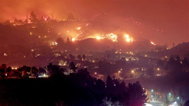 Десять человек погибли из-за сильных лесных пожаров в Калифорнии