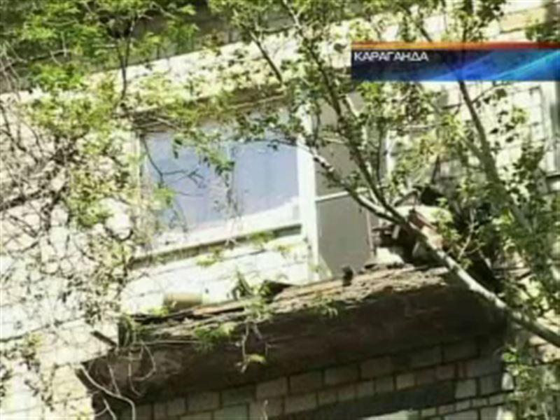 В Караганде обрушился балкон. Погиб пенсионер