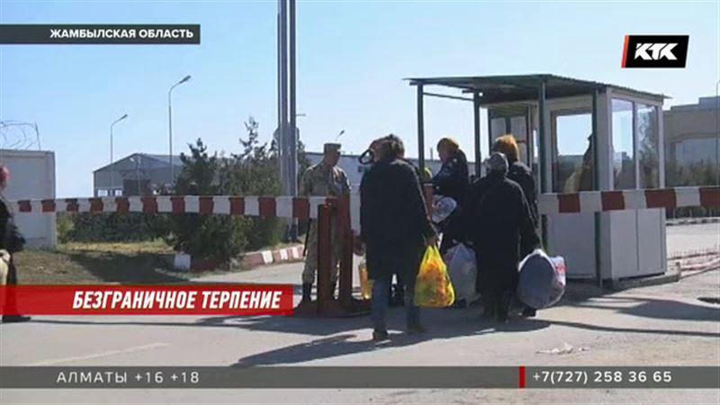 Заторы всё больше: Погранслужба объяснила, что происходит на границе с Кыргызстаном