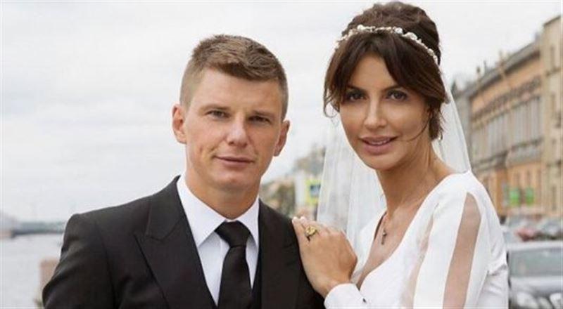 Андрей Аршавин расстался с женой Алисой Казьминой