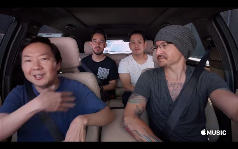 В Сети появилось видео, снятое за шесть дней до смерти солиста Linkin Park