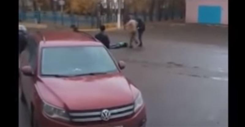 (18+): в Башкирии мужчина жестоко избил лежачего человека