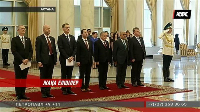 Президентпен кездескен шетелдік дипломаттар қазақша сөйледі