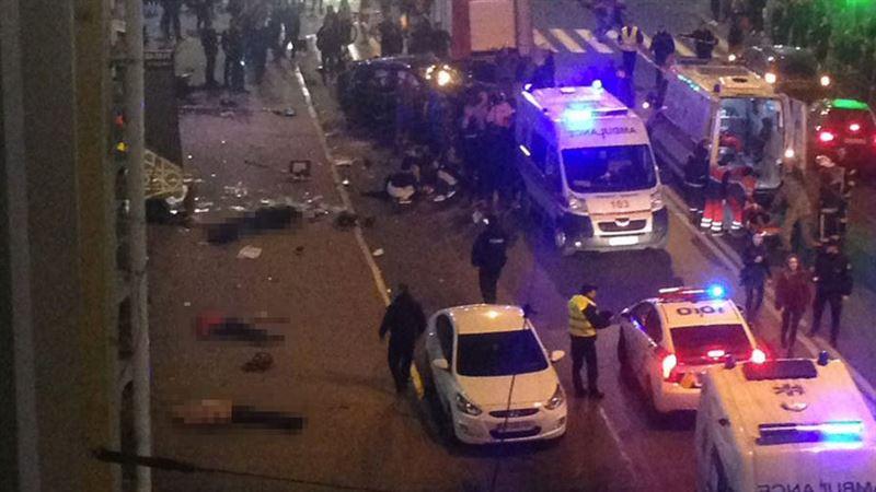 При наезде внедорожника на прохожих в Харькове погибли шесть человек