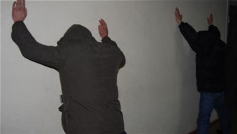5 млн тенге вымогали у кызылординца, угрожая расправой над семьей