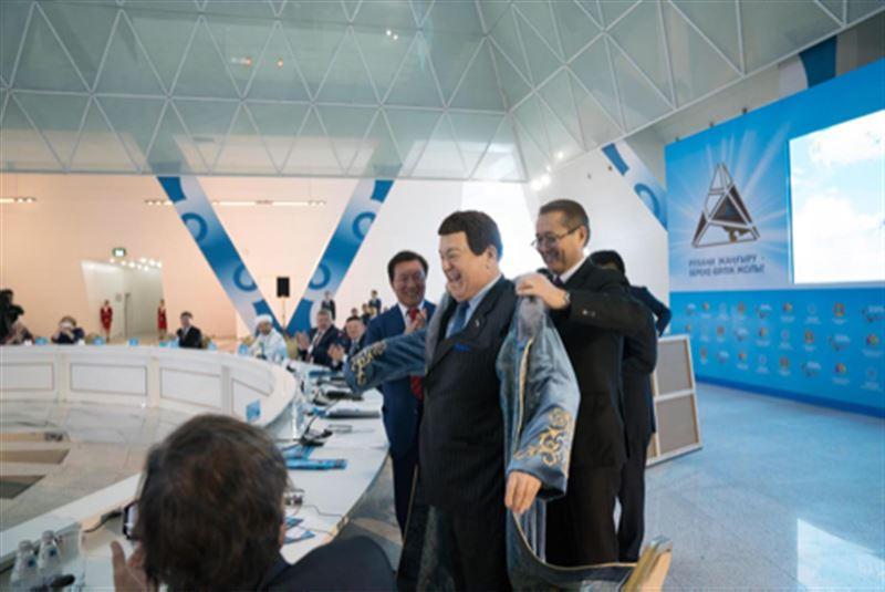 Иосиф Кобзон побывал на международной духовной конференции в Астане