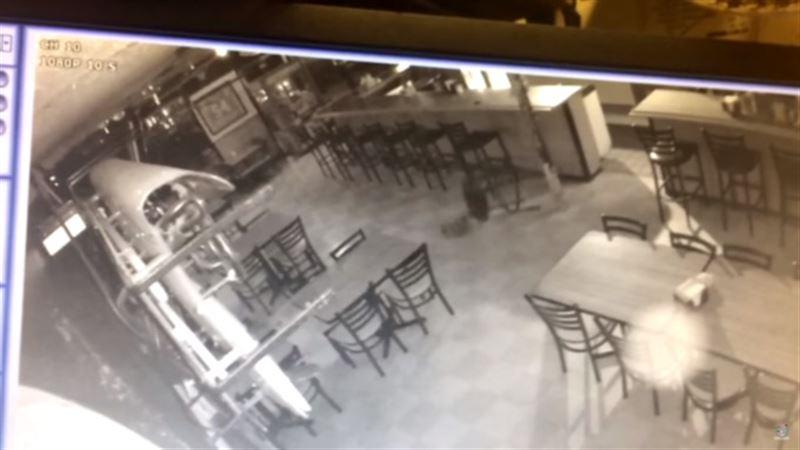 В ресторане США камеры наблюдения запечатлели «привидение»