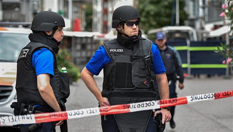 Подросток с топором напал на прохожих в Швейцарии