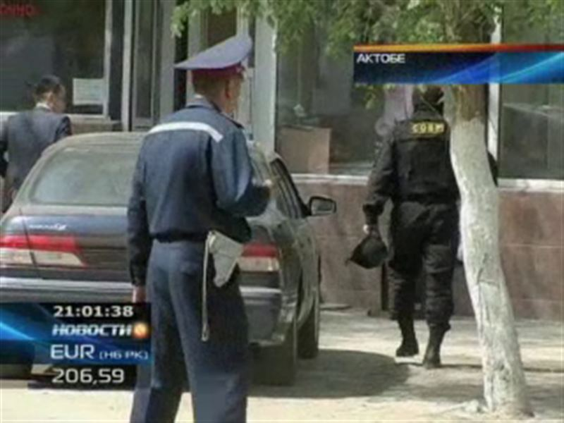 В Актобе в здании Департамента КНБ подорвался смертник