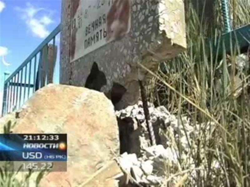 В Карагандинской области поймали вандалов, разгромивших около 20 могил
