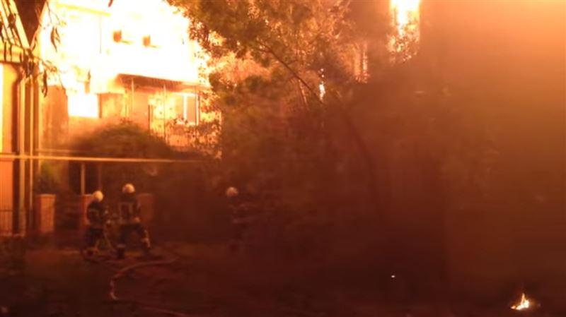 Детский лагерь в Одессе охватило огнем