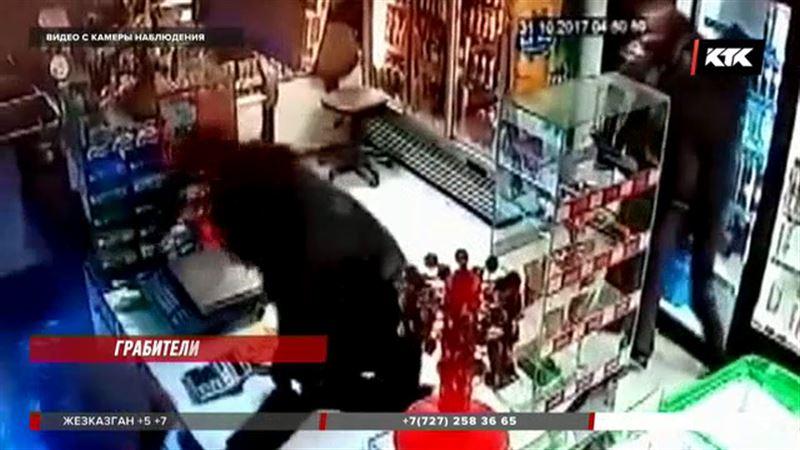 Магазин в Петропавловске ограбили с пистолетом-зажигалкой