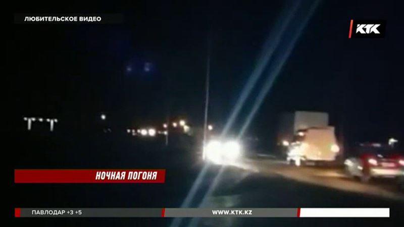 Экшн в Актау: уходя от погони, водитель грузовика снес павильон