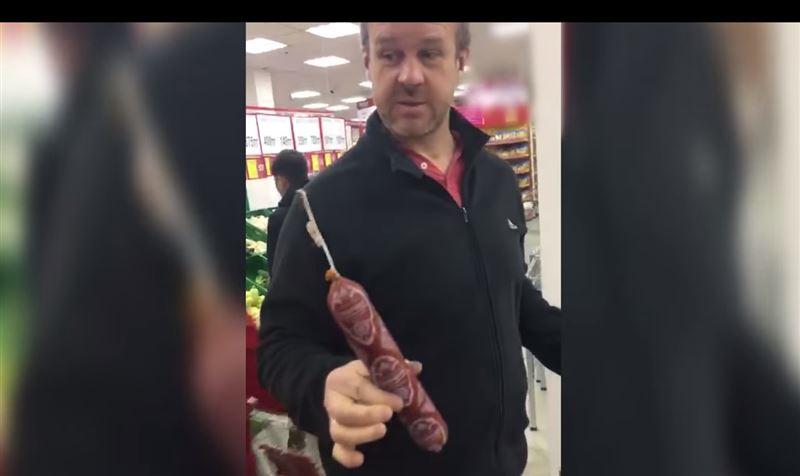 В Национальной лиге потребителей прокомментировали видео с «недовесом» колбасы в супермаркете